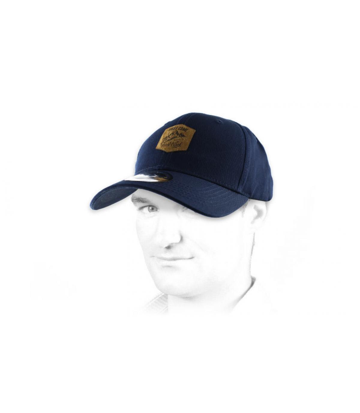 cap curve First Come bleue