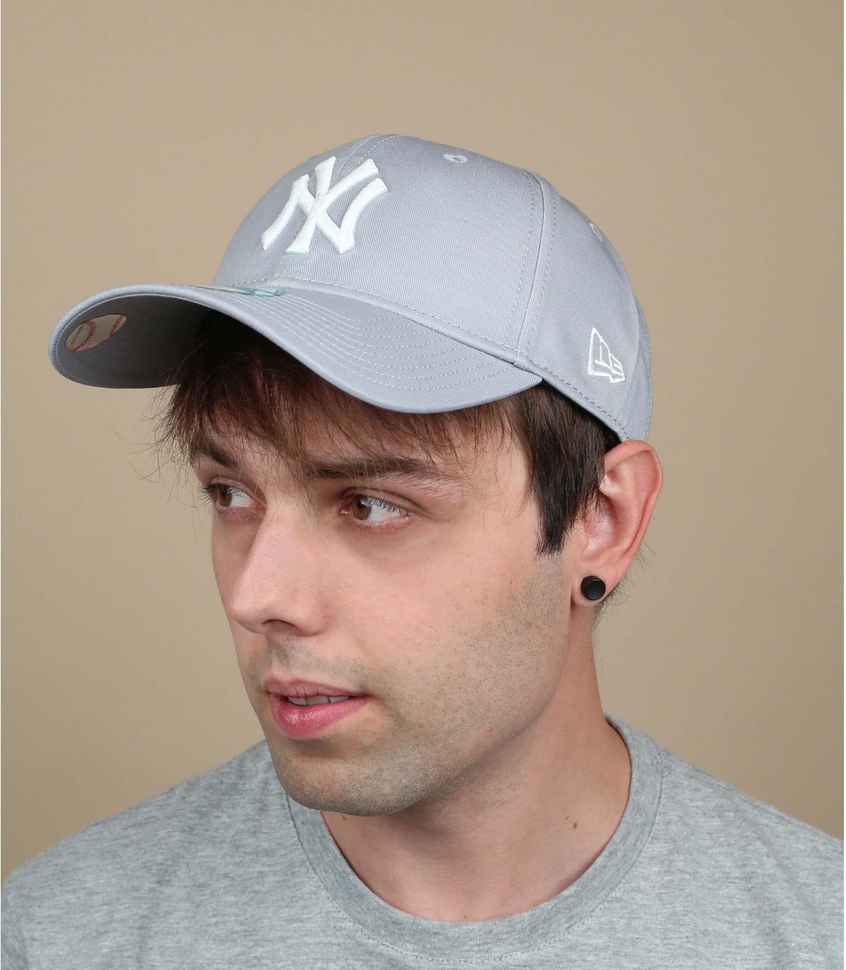 Casquette ajustable gris