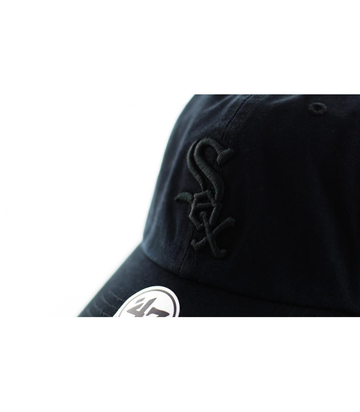 Détails Casquette Clean Up Sox all black - image 3