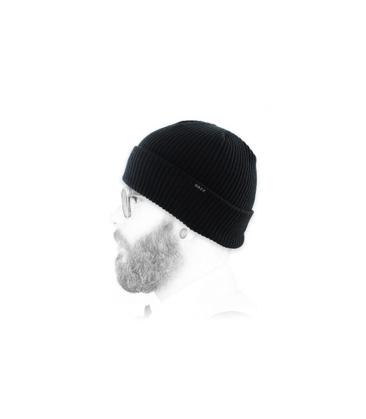 bonnet noir revers Obey