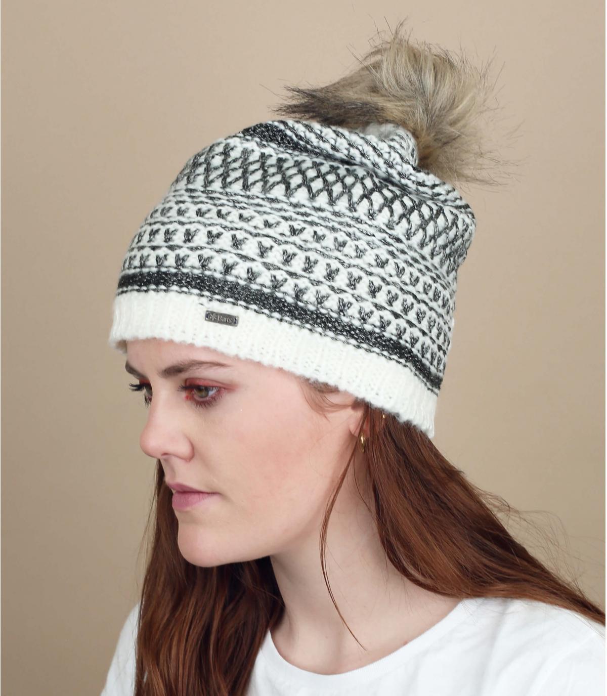 bonnet pompon fourrure motif