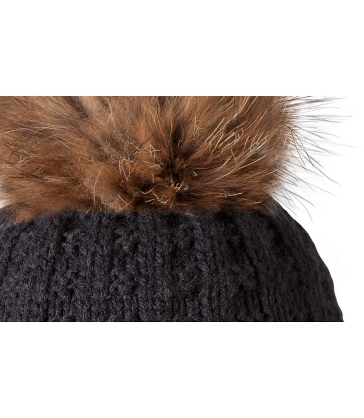 bonnet noir maxi pompon filippa black par barts. Black Bedroom Furniture Sets. Home Design Ideas