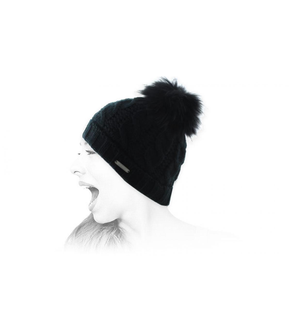 bonnet torsades noir pompon