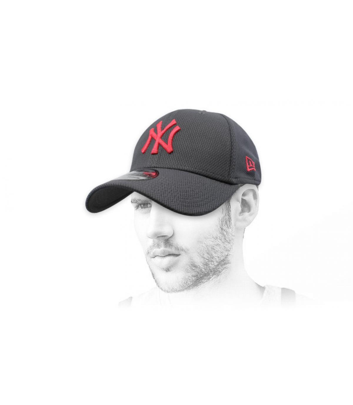 casquette NY gris rouge