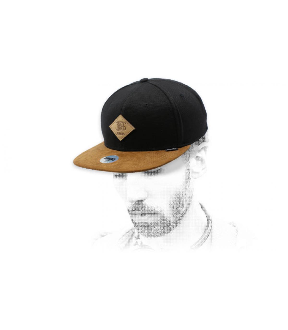 snapback noir suede