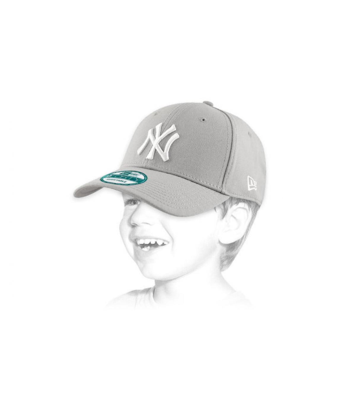 Détails Casquette NY 9forty grise enfant - image 2