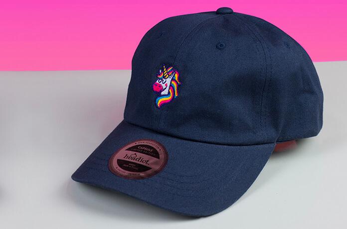 casquette licorne bleu